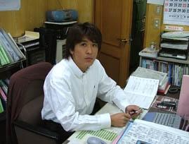 staff_syacho.jpg